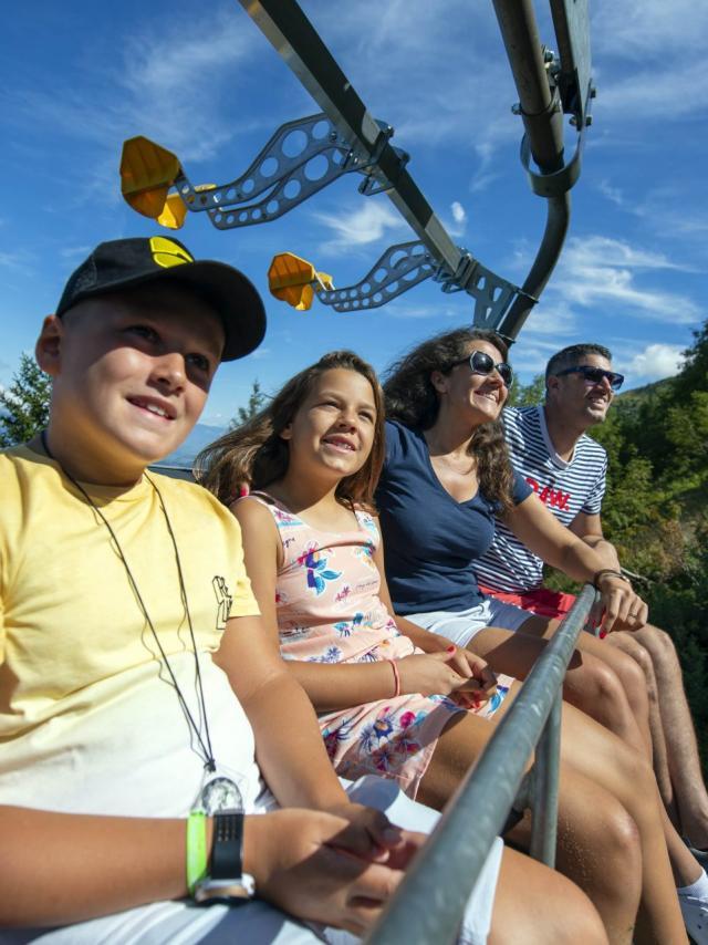 Télésièges piétons aux 7 Laux en été