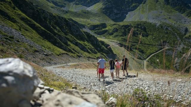 randonnée à pied aux 7 Laux en été