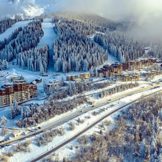 ¨Station de ski de Prpaoutel aux 7 Laux en hiver