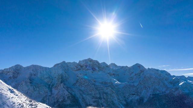 Massif de Belledonne enneigé en hiver