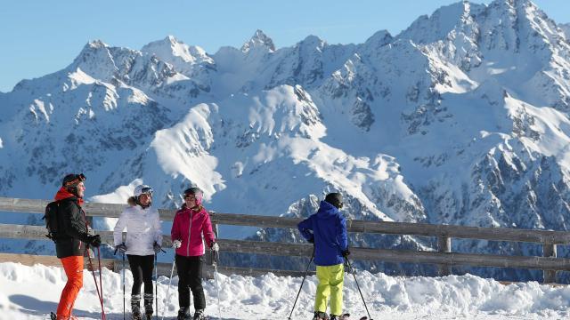 Groupe de skieurs aux 7 Laux