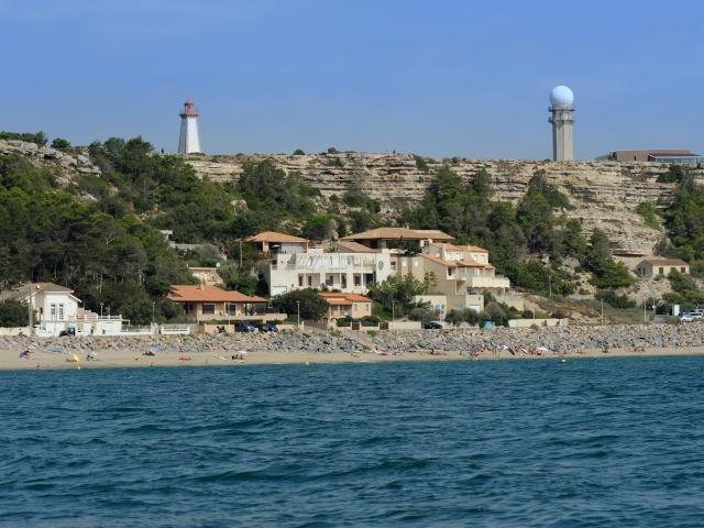 Leucate Plage front de mer villas falaise