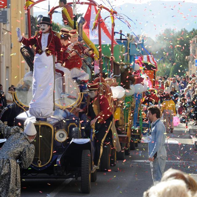Parade Sol Y Fiesta 2