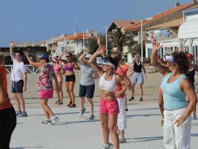 Cours de fitness en front de mer à Leucate Plage