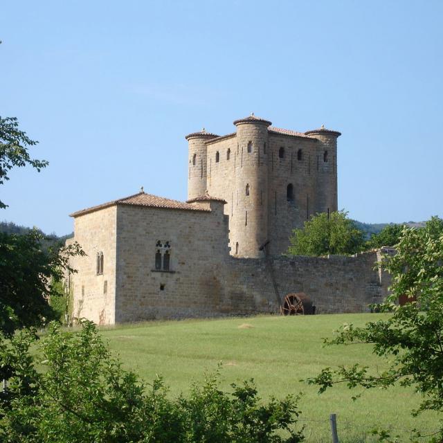 1200px France Aude Arques Chateau