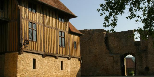 Château De Crèvecoeur Logis Seigneurial