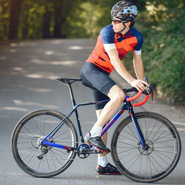 Cyclotouriste en Authentic Normandy