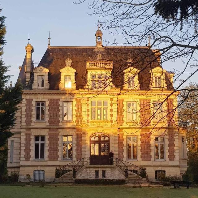 Chateau De Hieville Facade