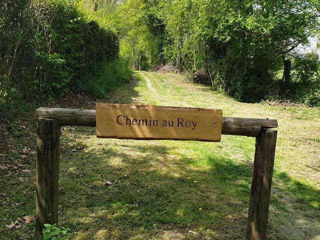 Chemin au Roy Autour du Château de Crevecoeur
