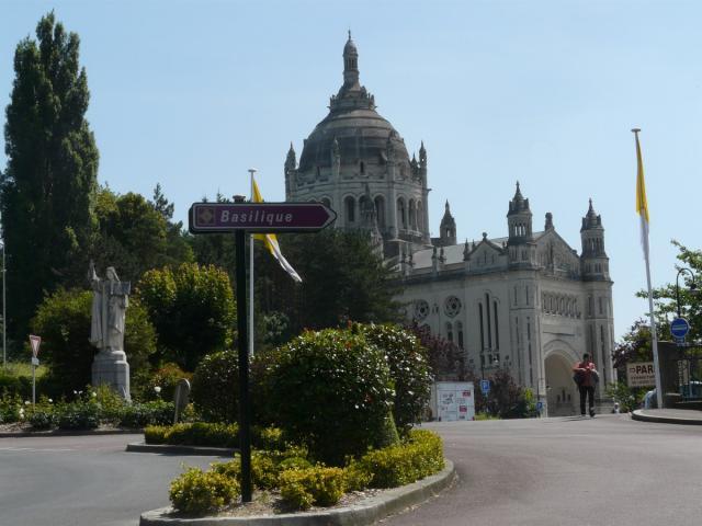 Basilique Sainte Thérèse Lisieux