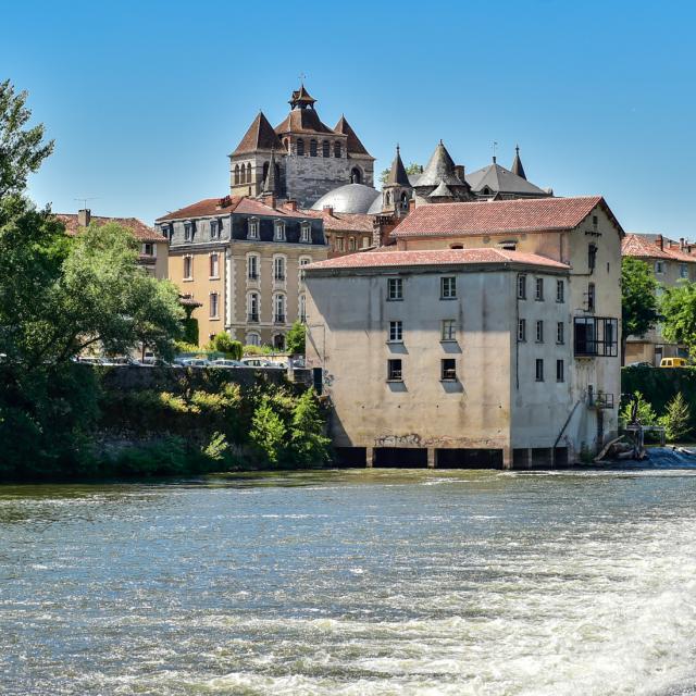 Cathédrale de Cahors vue de la rivière
