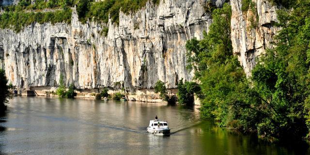 Navigation sur le Lot à Bouziès