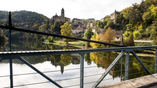 Albas depuis le pont suspendu