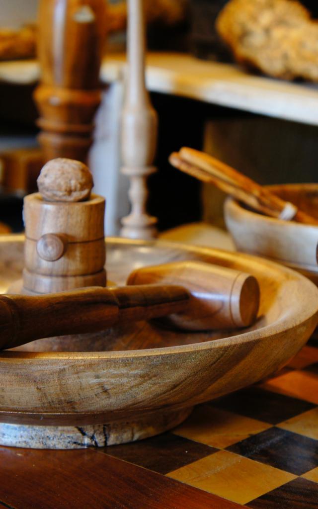 Artisanat  - tourneur sur bois St Cirq