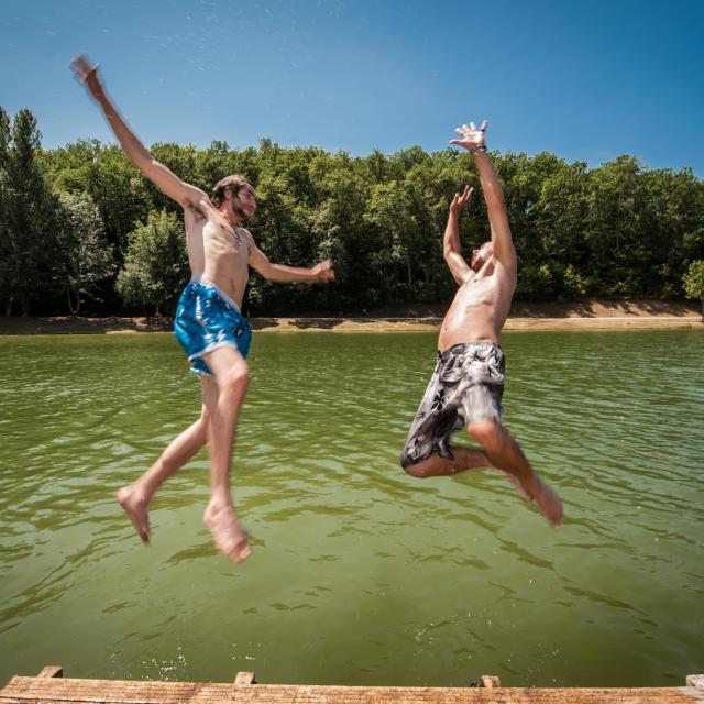 Baignade au plan d'eau Ecoute s'il pleut à Gourdon