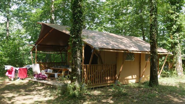 Campinglereveauviganp1010814ccseguy Lottourisme