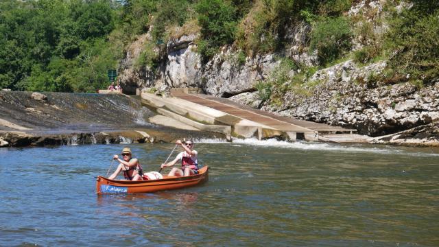 Canoe Sur Le Cele A Cabrerets