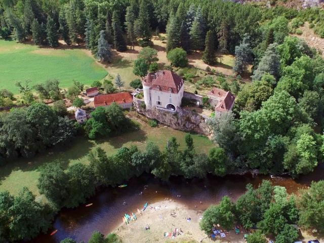 Château de Géniez à Sauliac sur Célé - vallée du Célé