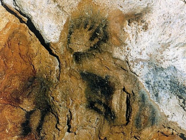 Cheval et main négative  - Grotte des Merveilles