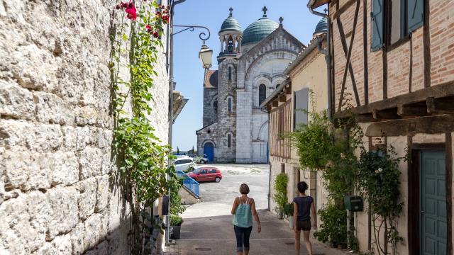 Eglise Saint-Martin depuis la rue du Capitaine Tailhade