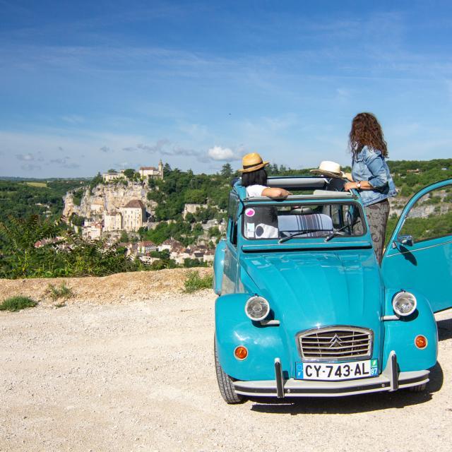 En 2CV à Rocamadour