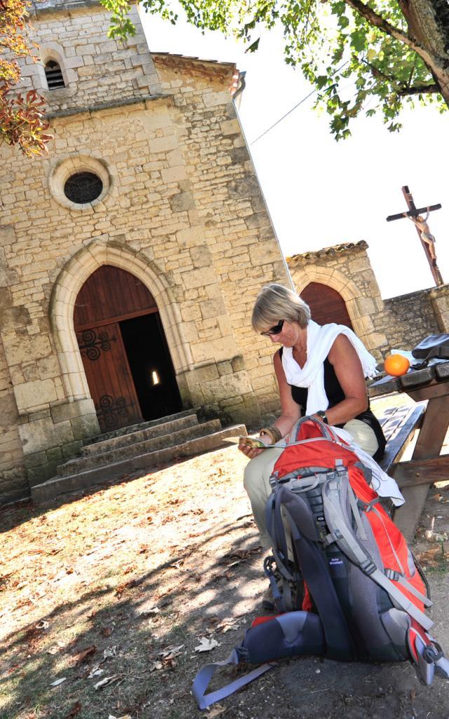 Halte pique-nique à l'Eglise St Pierre de Rouillac Montcuq