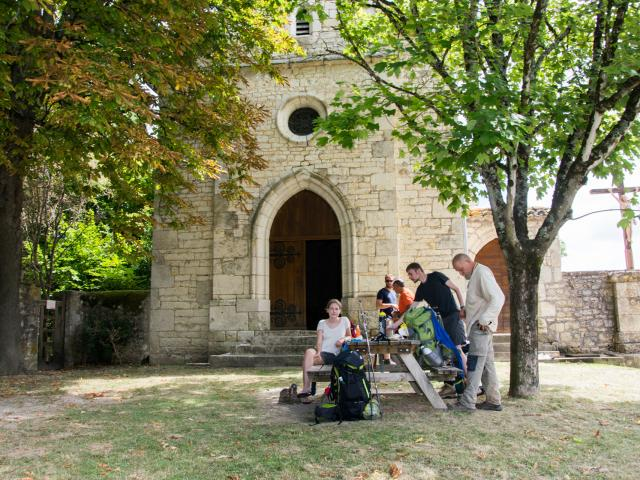 Pélerins à la chapelle de Rouillac