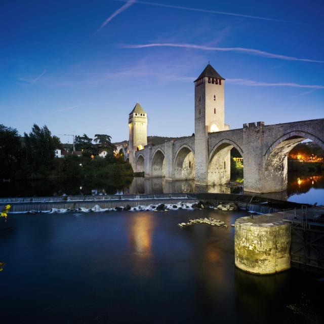 Pont Valentre Lot Tourisme Crt Midi Pyrenees D Viet 0