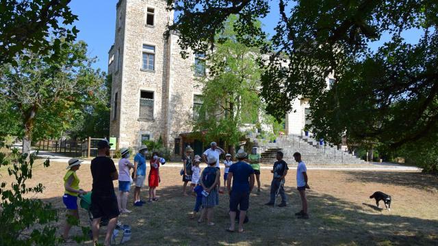 Rdv Devant Le Chateau C Lot Tourisme A Leconte