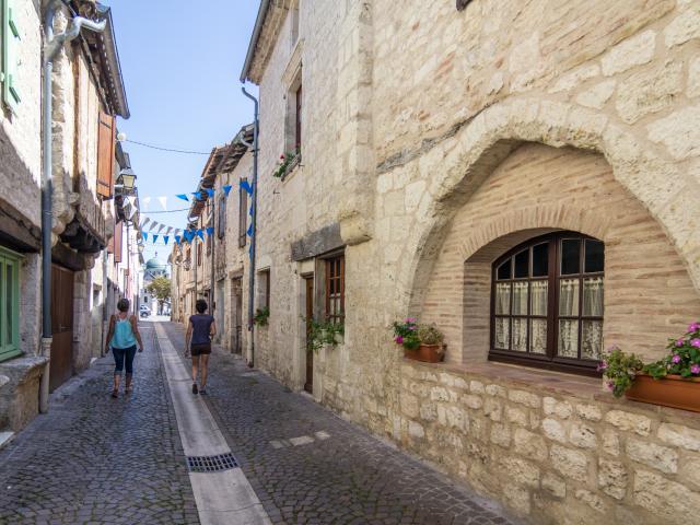 Rue Joffre à Castelnau-Montratier