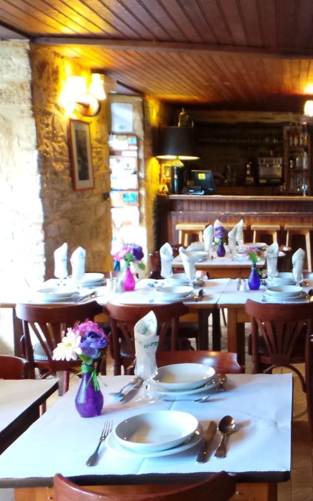 Salle restaurant Peyrilles