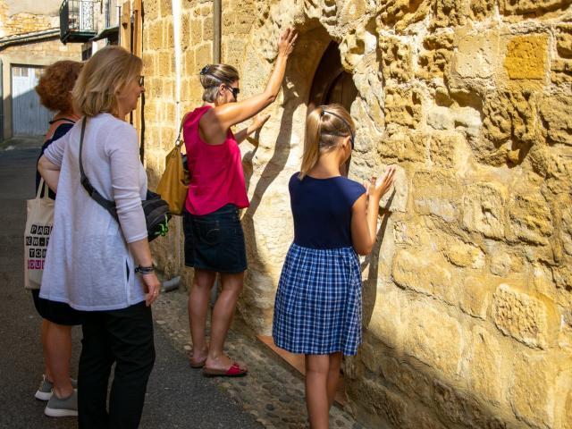 Visite sensorielle  Gourdon - Découverte des façades