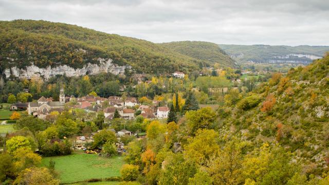 Vue sur le village de Saint-Martin-Labouval