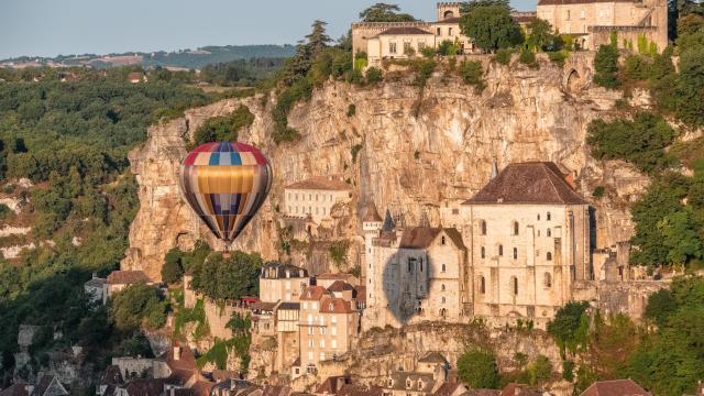 Décollage de montgolfière à Rocamadour