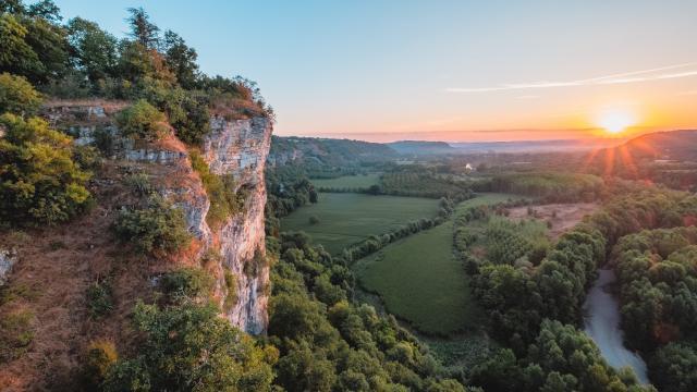 Levé de soleil sur la vallée de la Dordogne