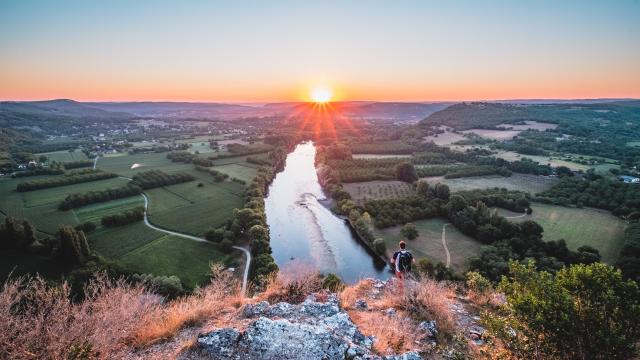 Lever de soleil sur la vallée de la Dordogne