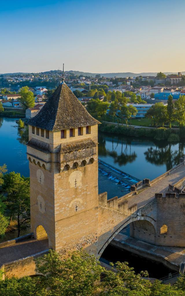 Vue aérienne du Pont Valentré à Cahors
