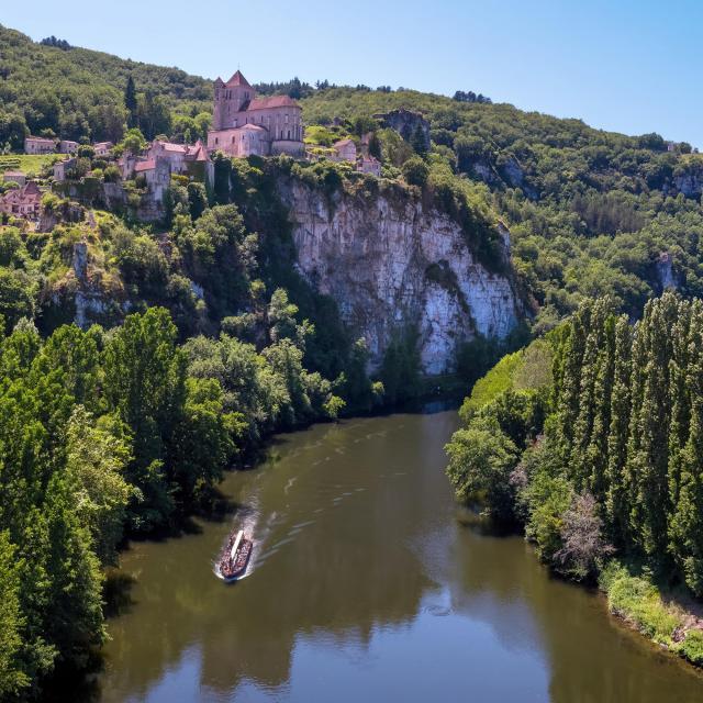Vue aérienne de Saint-Cirq-Lapopie
