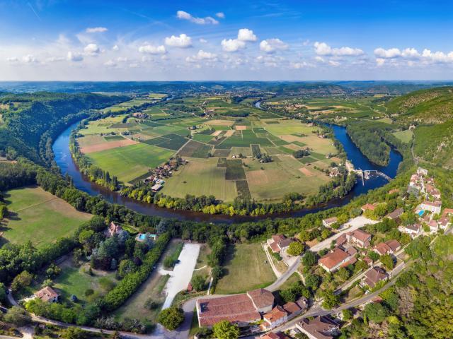 Presqu'ile de Luzech et village de Belaye
