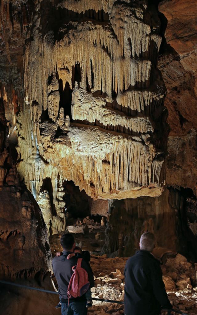 Grotte des Carbonnières à Lacave