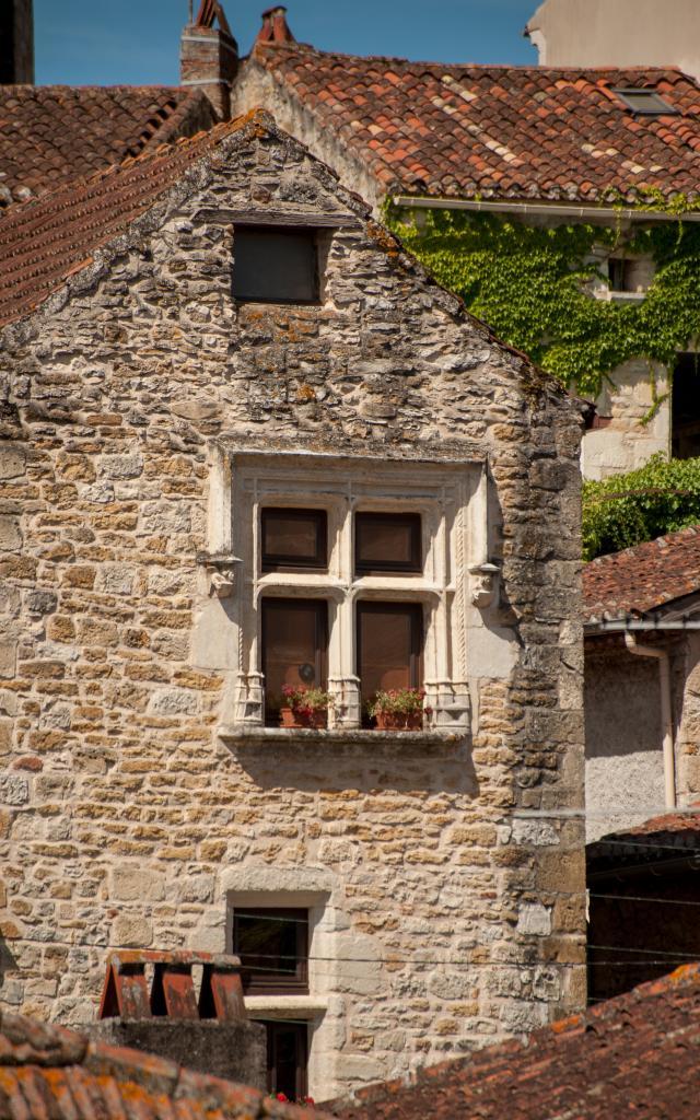 Maison 15°siécle, détail fenêtre renaissance