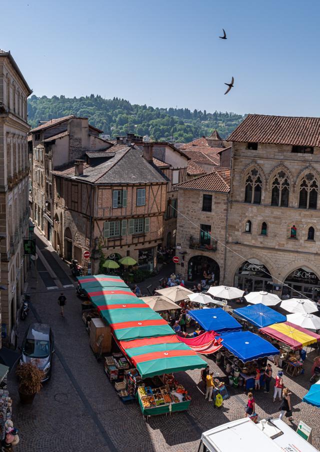Vue sur le marché depuis les terrasses du Musée