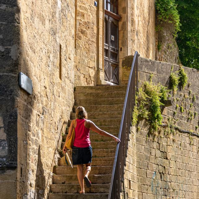 Escaliers près de l'Eglise Saint-Pierre à Gourdon