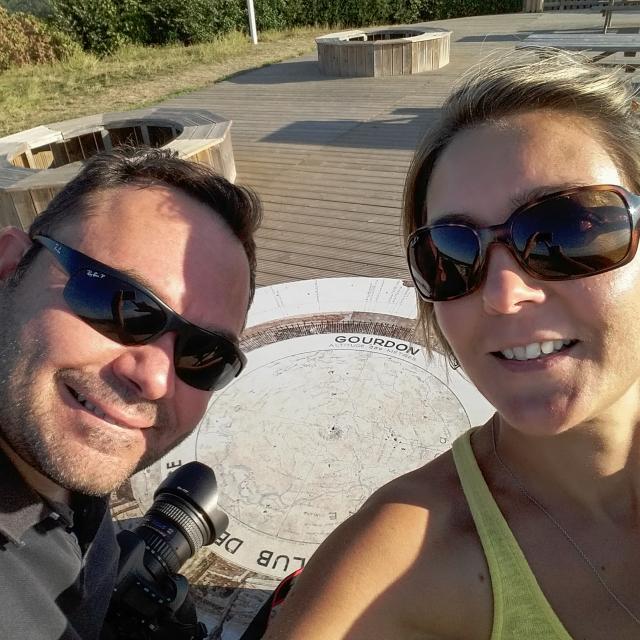 Selfie à l table d'orientation - Gourdon