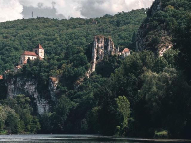 St Cirq Nos Curieux Voyageurs