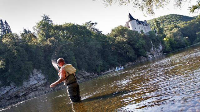Pêcher dans la Dordogne