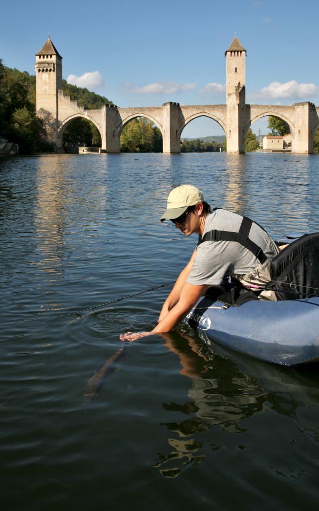 Pêcher au pied du Pont Valentré