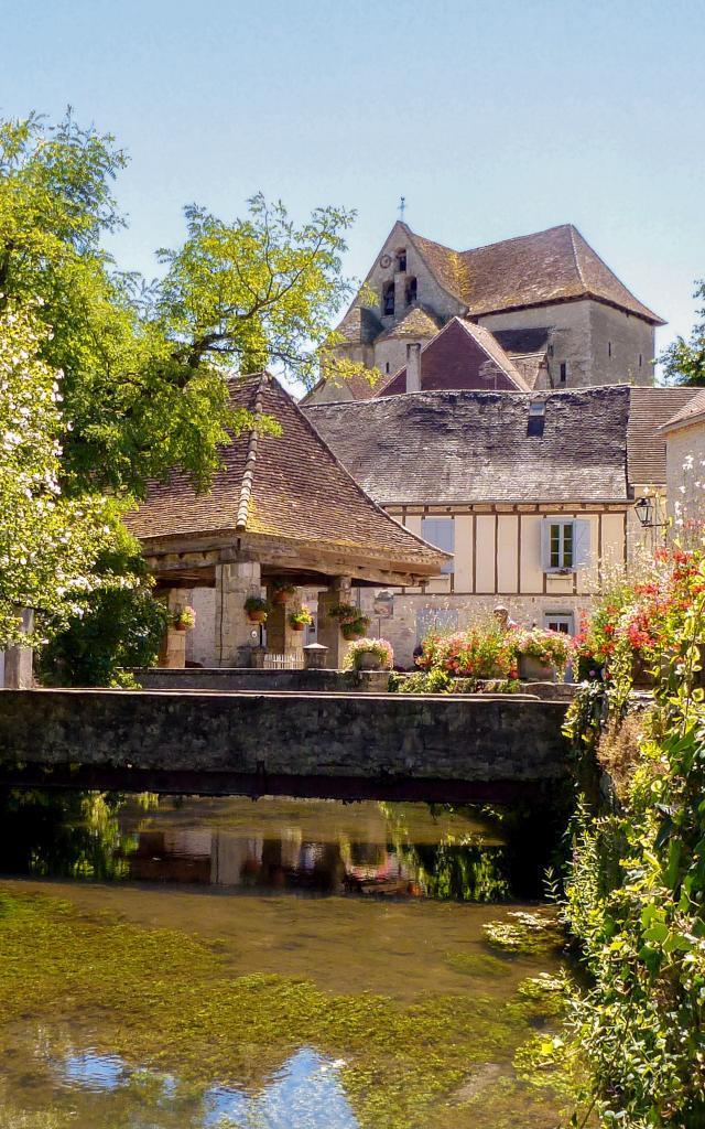 Web21 130731140809 Village De Creysse © © Lot Tourisme A. Crépin