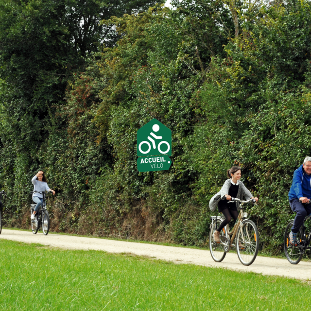 Photo Cyclotourisme Et Logo Accueil Vélo 2