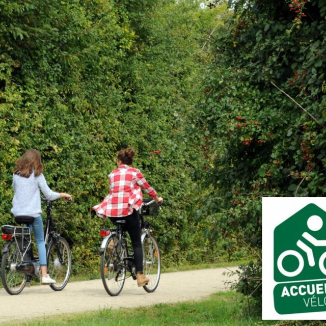Photo Voie Verte Et Logo Accueil Vélo 2